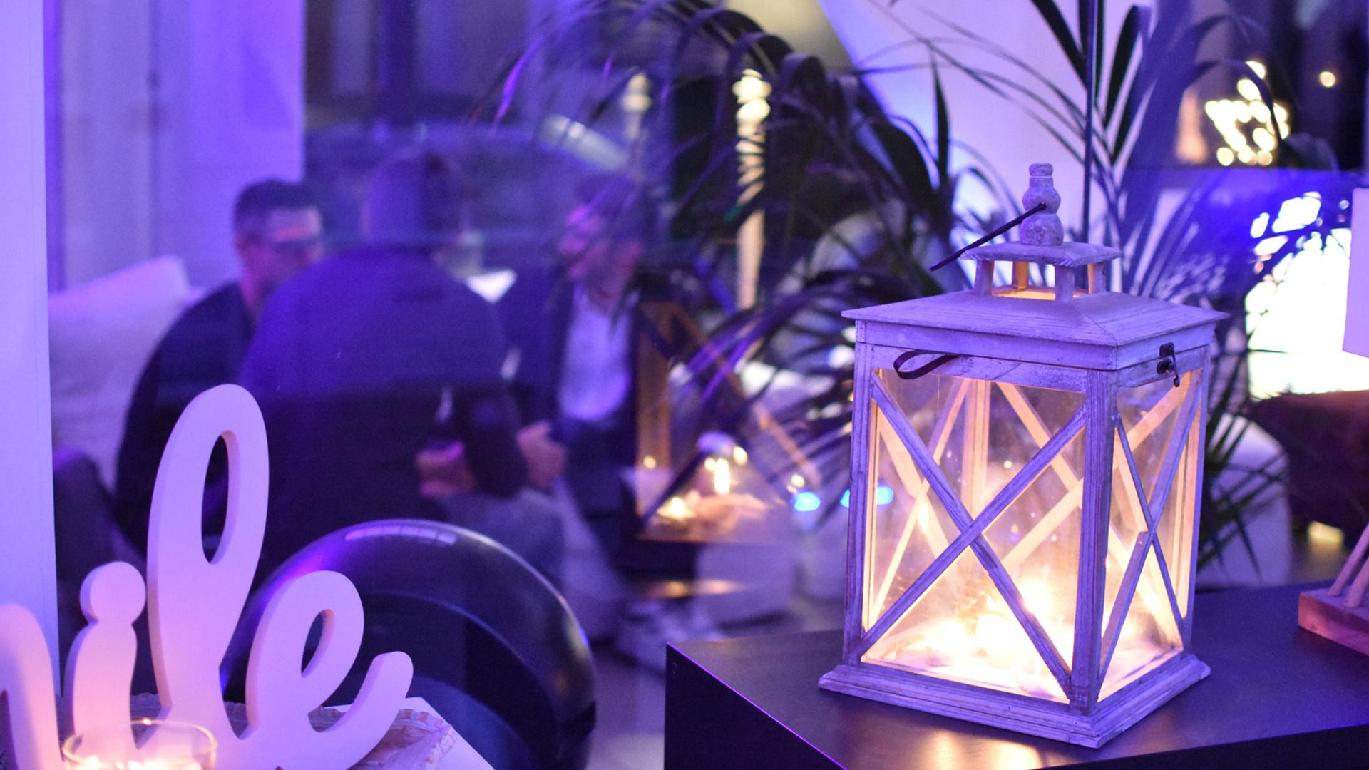 Sala con lampada
